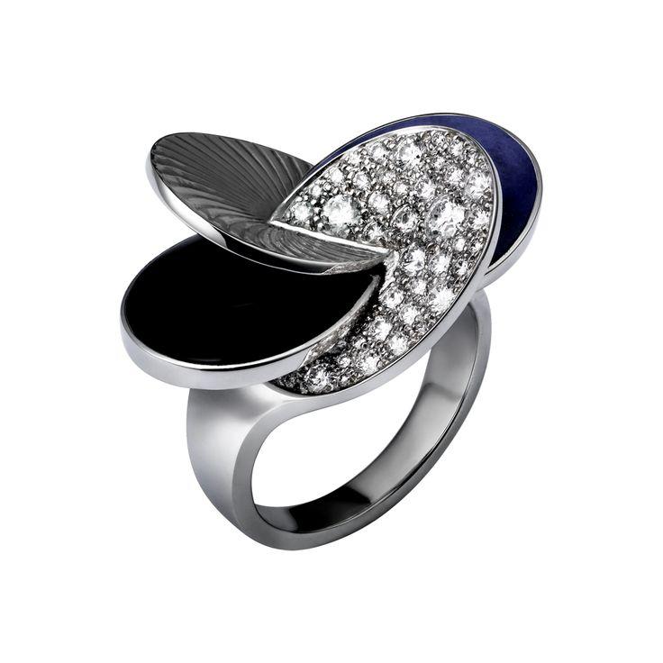 Cartier Paris Nouvelle Vague ring, large model - white gold, diamonds, onyx, lapis lazuli (=)