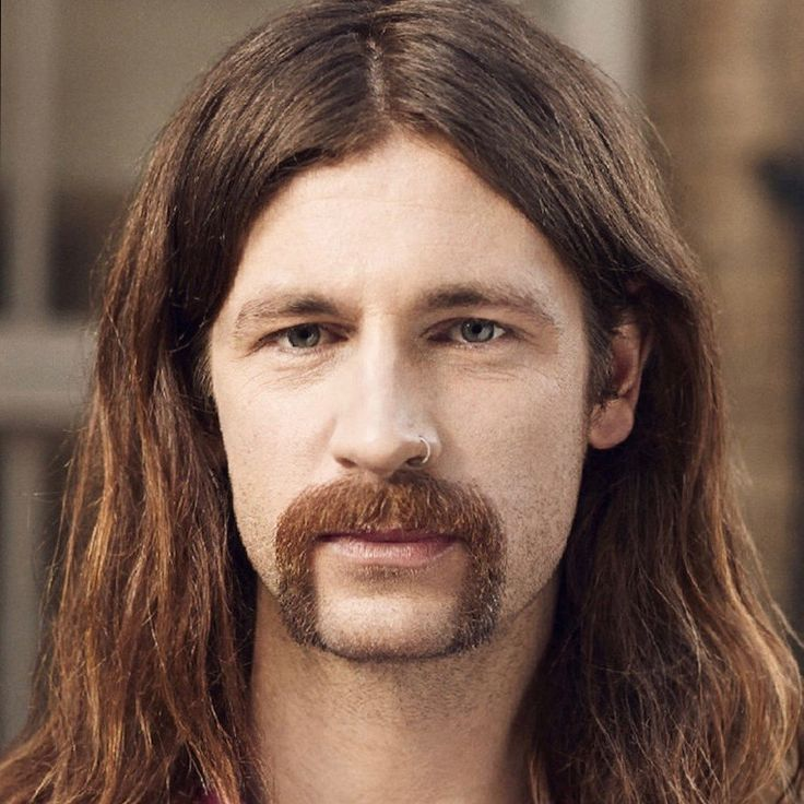 Style: Handlebar Mustache Artist: Alex Smith Source:http://atozhairstyles.com/articles/mustache-styles-for-all-faces/