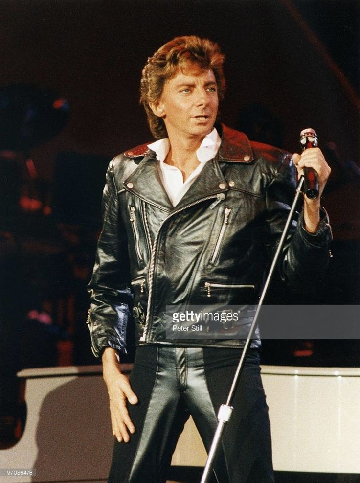 Barry Manilow performs on stage at Wembley Arena on January 4th, 1986 in London, England.
