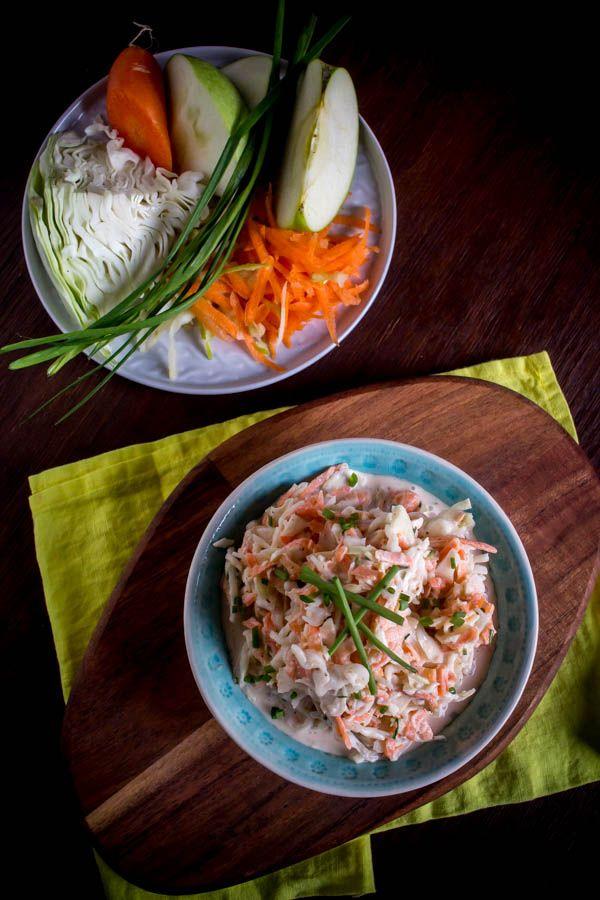 Σαλάτα με λάχανο-καρότο-ξινόμηλο-γιαούρτι