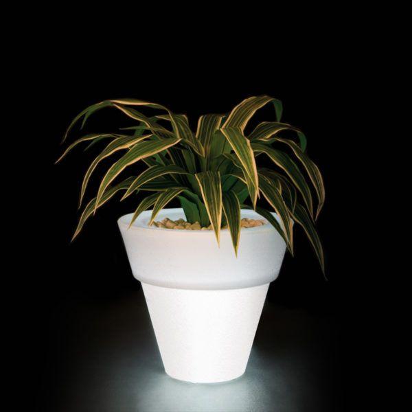 Juno Outdoor Planter. Mobelli