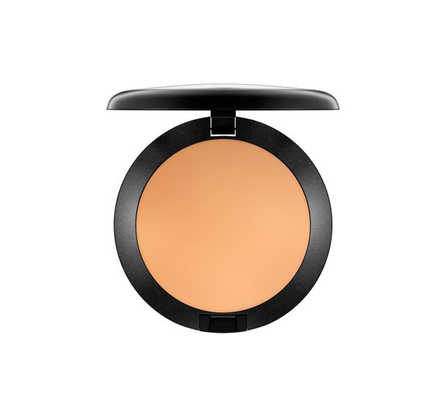 This smooth, blendable formula was developed for the professional makeup artist who wanted an emollient-based foundation with full coverage. Water-resistant and long-wearing, it can cover most scars, blemishes and birthmarks. Available in a wide rage of colours, the cream cake can achieve sheer coverage by applying a small amount using a moist sponge, or full coverage by stippling it on using a dry sponge. Compatible with latex and other special effects synthetics. Great for beauty…