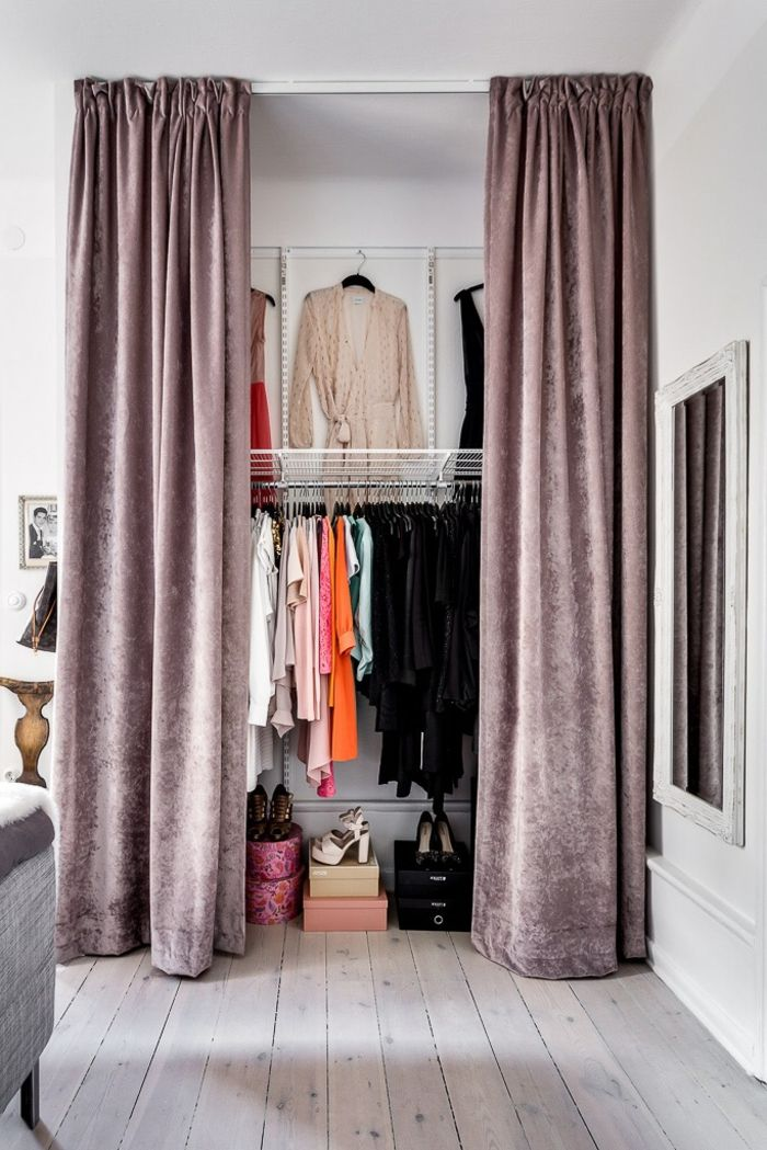 1001 Ideen Fur Ankleidezimmer Mobel Die Ihre Wohnung Verzaubern Werden In 2020 Ankleide Zimmer Ankleidezimmer Kleiderschrank Mit Vorhang