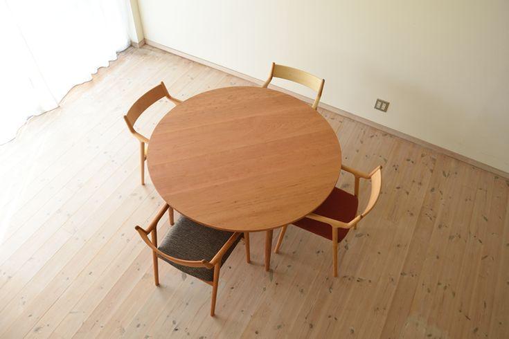 チェリー丸ダイニングテーブル(4本脚) 直径130cm / カグオカ