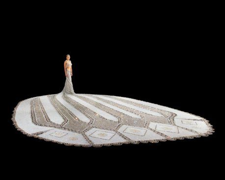 Gail Be's Fantasy Dress, which features almost a million beads.