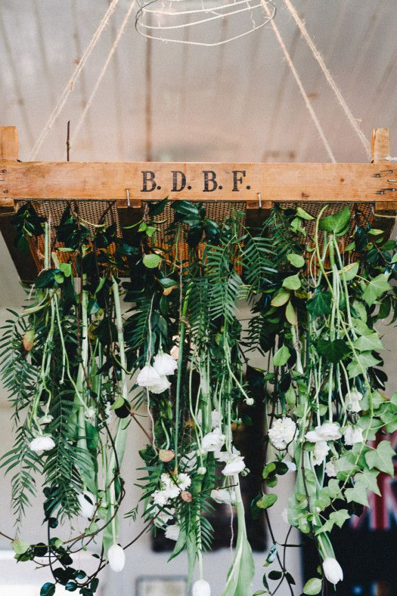 White #hanging #wedding #flowers / blooms // repinned by thebigdayevent.com // A bridal fair alternative in the form of a big fake wedding // RSVP at thebigdayevent.com //