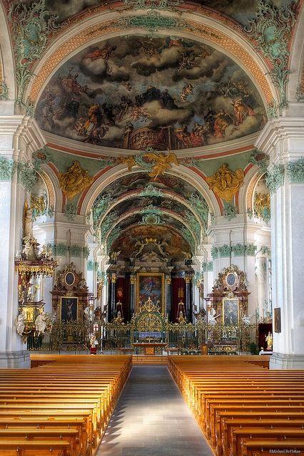 Beautiful interior of the Cathedral #St.Gallen, Switzerland - Wie schön Kirchen sein können, zeigt das Inneree der #Stiftskirche St. Gallen. | bestswiss.ch