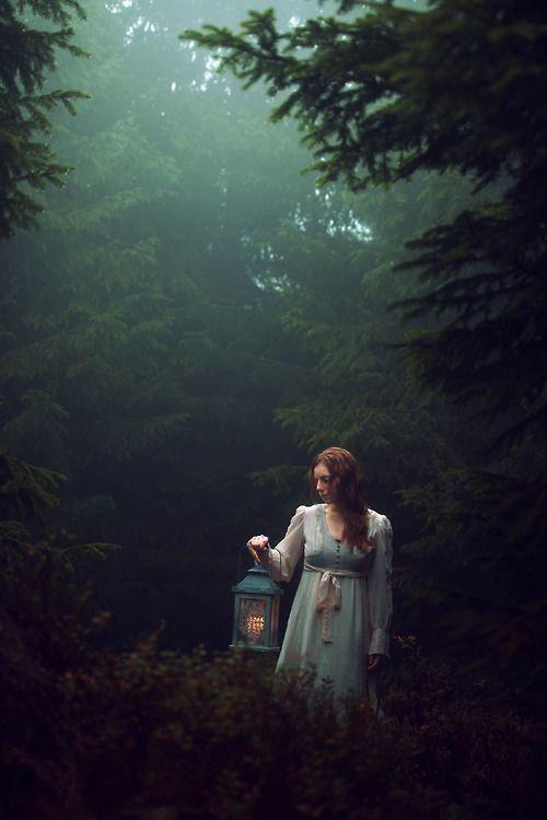Somos del mismo material del que se tejen los sueños, nuestra pequeña vida está rodeada de sueños. William Shakespeare