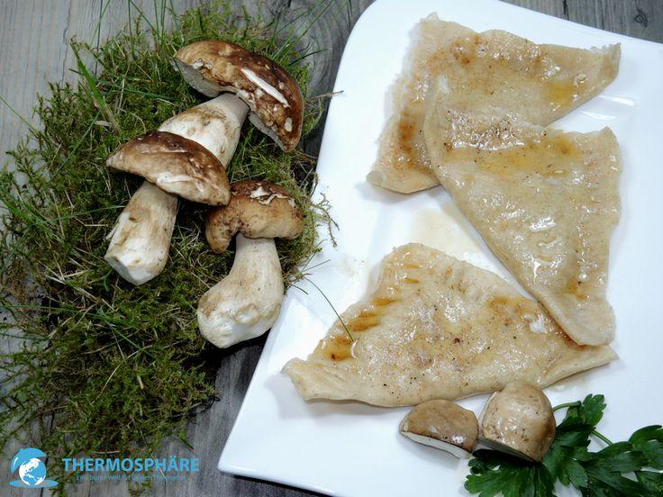 Ravioli mit Steinpilzen aus dem Pasta Maker - Thermosphäre #raviolo #gefülltenudeln #pasta #pastamaker #philips #steinplize #ravioli #porcini