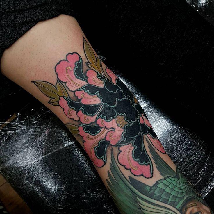 25 Best Ideas About Japanese Peony Tattoo On Pinterest