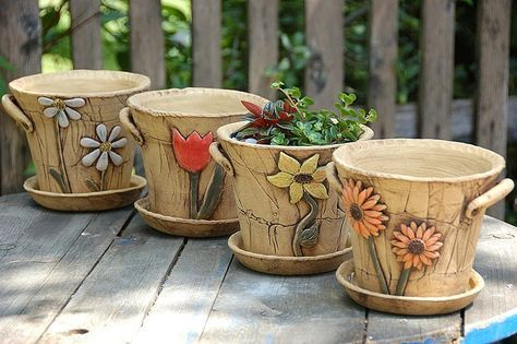 Keramika u Lavender: keramické kytičkové květináče a truhlíky
