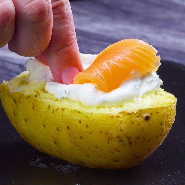Alle lieben Kumpir, die leckere gefüllte Ofenkartoffel! Wir haben hier vier leckere Varianten für dich – da fällt die Entscheidung schwer, welche Variante man zuerst probiert! #rezept #rezepte #ofenkartoffel #backkartoffel #kumpir #gefüllt #kartoffel #füllung – b l