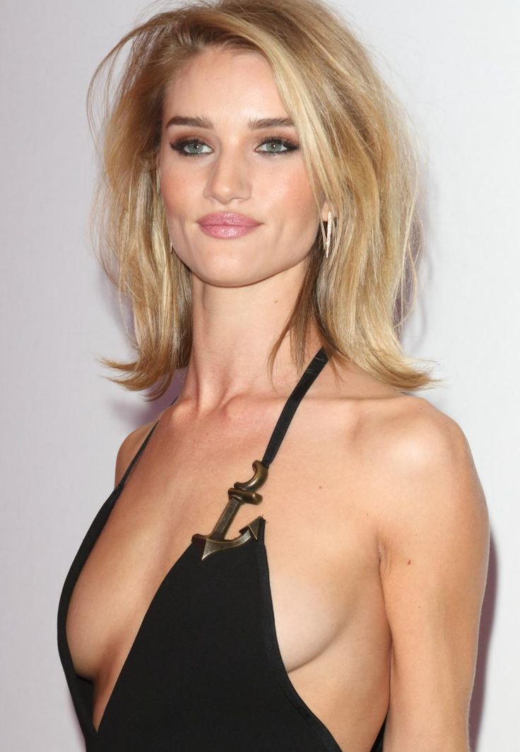 The 30 Best Pairs Of Celebrity Boobs Rosie Huntington