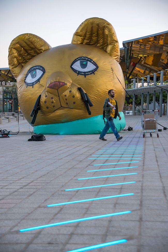 Inflating cat  #Disseny #Barcelona #Spain