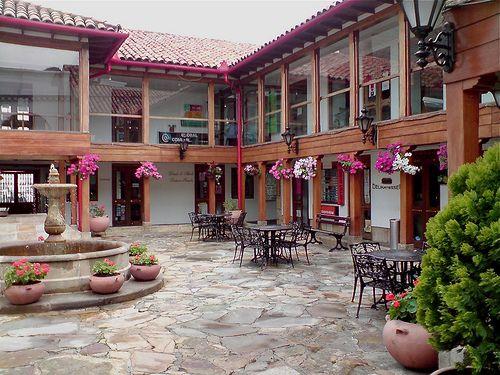 Centro Comercial Hacienda Santa Barbara, Bogota. Colombia.