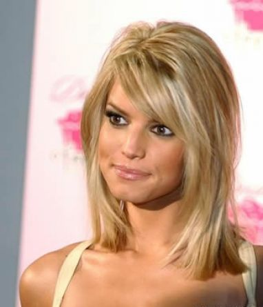 Shoulder Length Hairstyles for Thick Hair | Shoulder length layered hairstyles for thick hair pictures 1