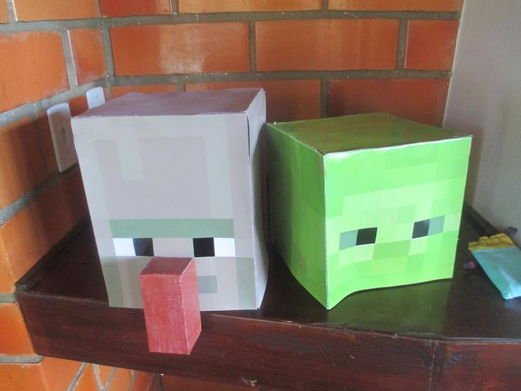 Meu filho ama o jogo Minecraft e me implorou para fazer uma festa com o tema do jogo.   Tarefa mais que difícil, pois aqui no Brasil não en...