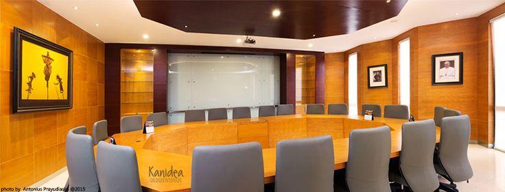meeting room #2 #wood #panel #interiordesign #warm