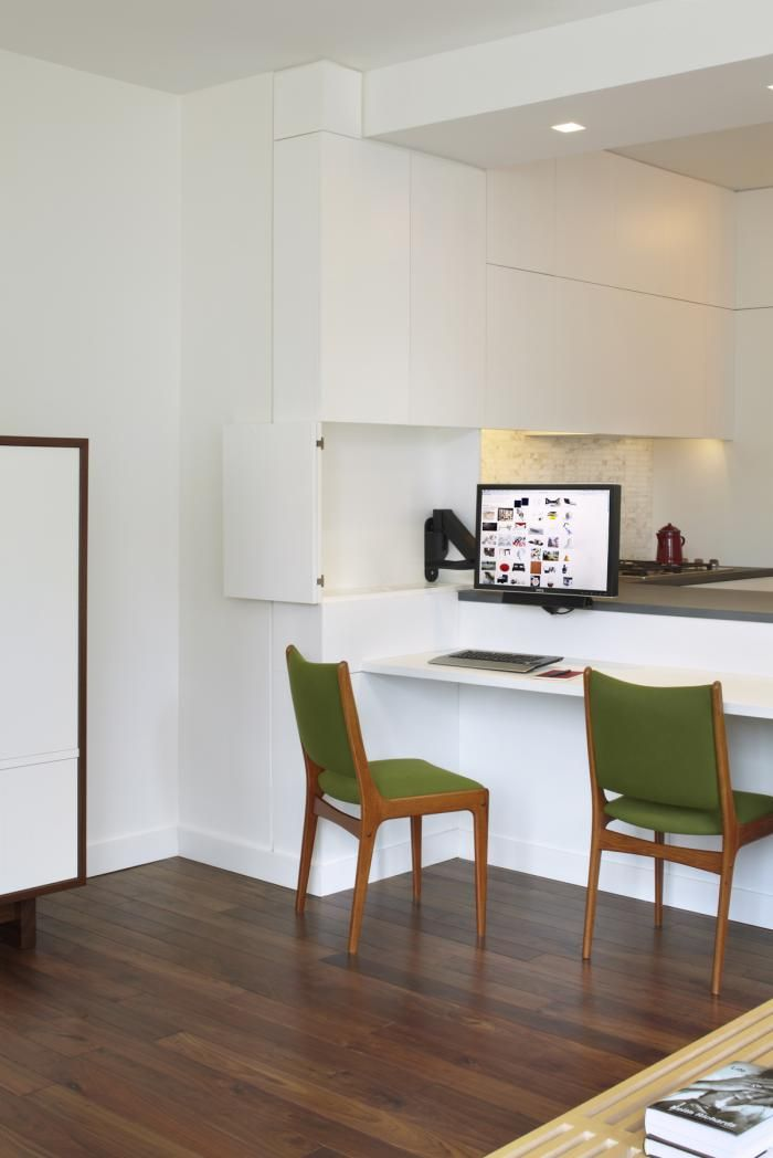 http://simpledesks.net/post/27114200295/simplicity-by-storage-the-breakfast-bar-doubles: Breakfast Nooks, Removal Baseboards, Breakfast Bar, Small Spaces Living, Hard Work House, Bar Double, Storage Ideas, Desks Spaces, Wire Connection