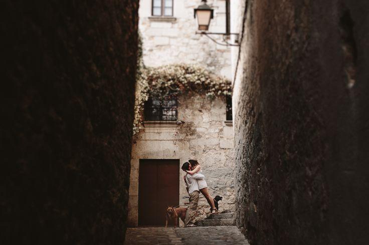 Fotógrafos de Bodas, Fotógrafos de Bodas Barcelona, Fotógrafos de Bodas Girona, Girona, Fotógrafos, Sesión de pareja, Sesión de Fotos, Destination Wedding Barcelona, Destination Wedding Girona, Destination Wedding, Pre Boda, Elopement, Elopement Barcelona, Pre boda Barcelona, Boda al aire libre, Boda rústica