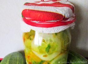 Sałatka ogórkowa z kurkumą (do słoików)