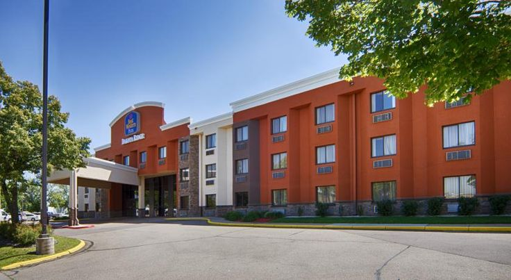 Best Western Plus Dakota Ridge Eagan Just a 12-minute drive away from Mall of America, this Eagan hotel is located 6 miles away from Minneapolis – St. Paul International Airport and offers free 24-hour airport shuttle service, complimentary breakfast and free WiFi.