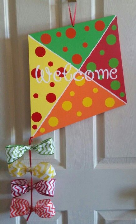 Kite door  hanger