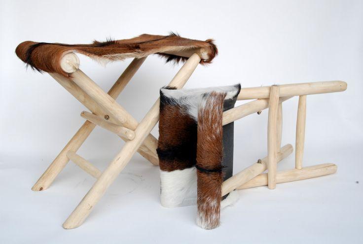 lederen stoeltjes, hout, leder, koeienhuiden
