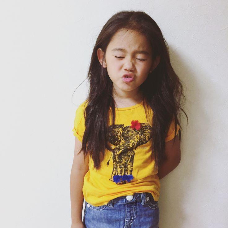 #coordinate 💫 ・ ・ Tシャツ→#gapkids  スカート→#lee  #kids_japan #ig_japan #kidsootd #kidswear #wear #6yearsold  #kids #tee #Tシャツ #elephant  #animal #アニマルtシャツ #像 #部屋撮り  #コーディネート #キッズコーデ #キッズファッション #小学生コーデ #小学一年生 #夏服  #instakids #fashion #igkids #girl