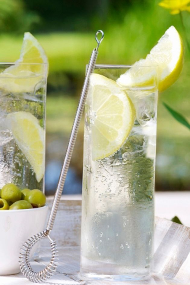 Low calorie and diet friendly alcoholic drinks! Gin is your friend!
