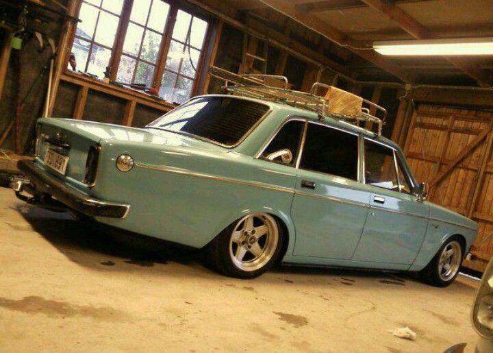 Stanced Volvo 144