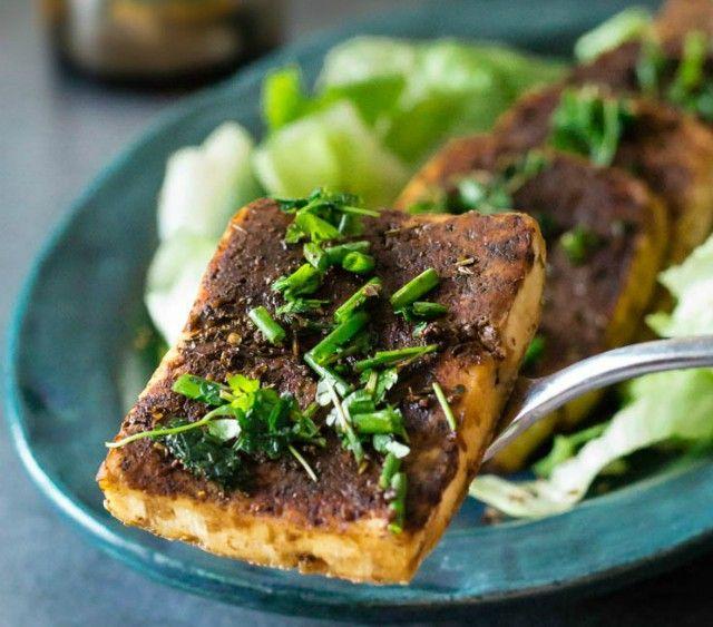 Tofu+piccante+alle+erbe+aromatiche+in+salsa+di+soia+-+AMC