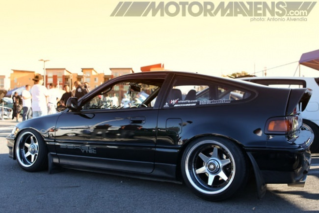 88 Hellaflush Honda Civic CRX Si black with deep dish wheels. See more at http://vinpins.com