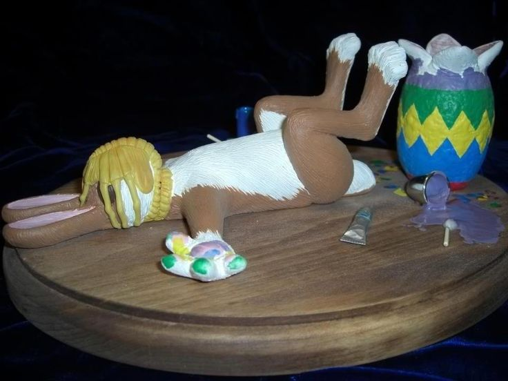 Unhappy Easter! Unluckily the easter bunny get cought a face hugger from Aliens. :(