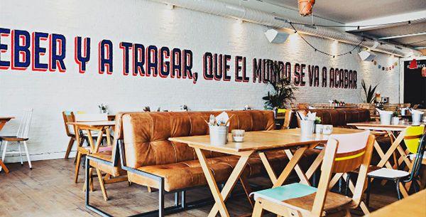 Van Peruaanse ceviche en Argentijnse ribeye tot Mexicaanse taco's en zoete aardappel frites; het swingende Latijns-Amerikaanse restaurant Supermercado opent vandaag in Rotterdam. Zwoele avonden gegarandeerd.