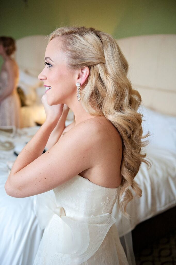We Heart Half-Up, Half-Down Wedding Dos. #weddings #hair #bridal #halfuphalfdown