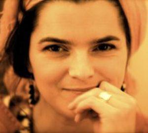 Vanessa van Gasselt is oprichtster en directrice van Global Nomads Productions, een bedrijf in filmconceptualisering en het uitwerken daarvan. Voor Bedrijvige Vrouwen maakt ze promo's/reclamefilmpjes. In de toekomst wil ze een audiovisuele afdeling opzetten samen met de andere filmmakers van Bedrijvige Vrouwen om de individuele Bedrijvige Vrouwen audiovisueel zichtbaar te maken op de website.