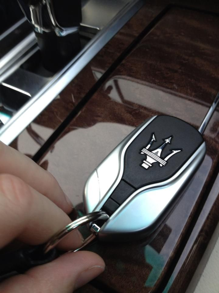 Maserati might have removed 100kg from the Quattroporte's weight, but it put a load back in with this substantial key - shot by @Kyle_Fortune from Twitter