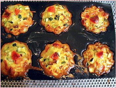 Mélange de légumes: tomates sans la peau, courgettes, oignons, maïzena, crème fraîche, etc..