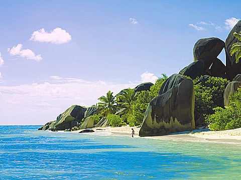 Sainte Anne, Seychelles A top tropical luxury resort and spa vacation www.hottrotter.com