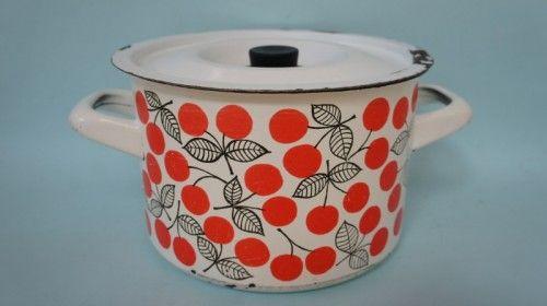 Vintage cherry Finel pot