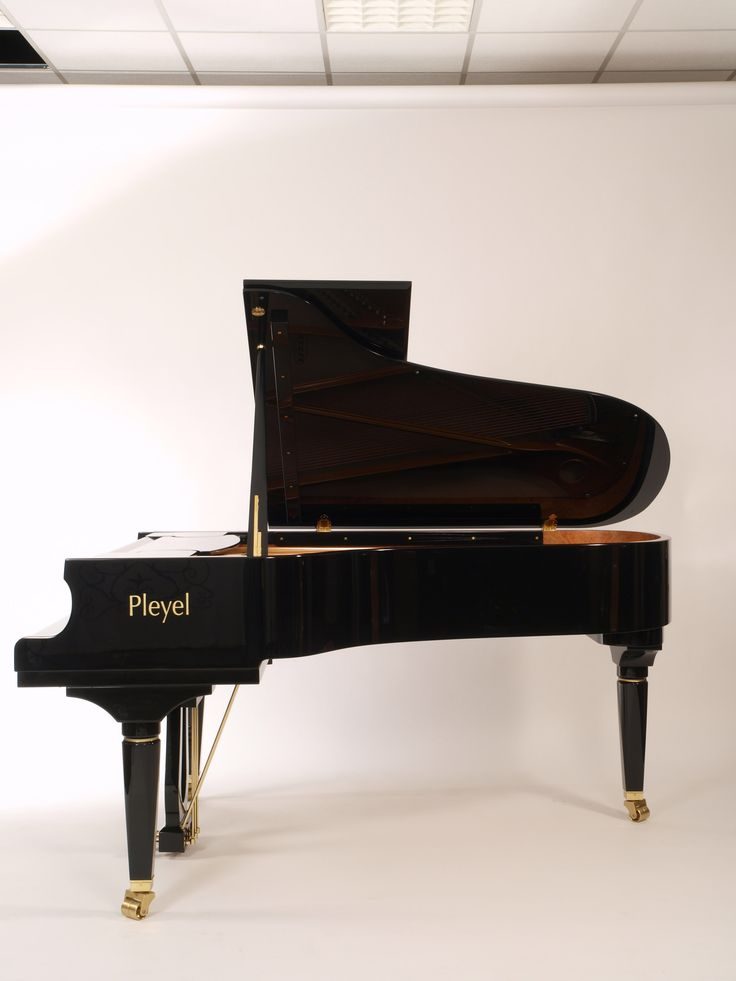 7 Best Piano Demi-Queue P204 Noir Brillant © Pleyel Images On