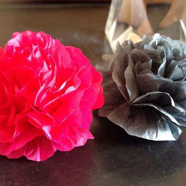 Další nové barvy #tmaveseda #bramborikova 💻www.pompomtime.cz #pom #czech #wedding #prague #production #produkce #hedvabnypapir #party #partydoplnky #kytice #kvetiny #oslava #narozeniny #park #zahrada #altan #aranzovani #art #pompomtime 🍡🍬