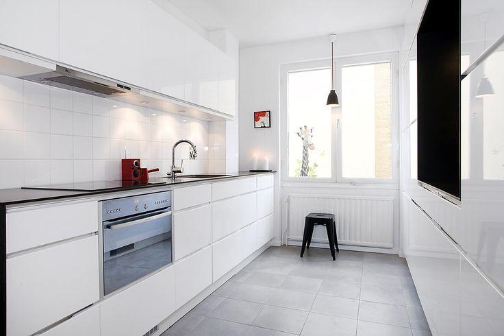 Kitchen, Stockholm. #kitchen #nordic #scandinaviandesign #interiordesign #dawnofideas