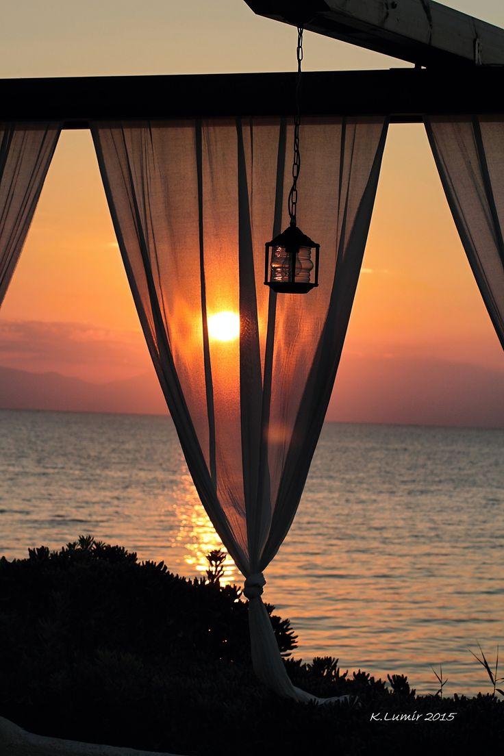 Západ slunce nad pláží - #Fourka #Halkidiki Řecko http://hotel-akropolis.gr/