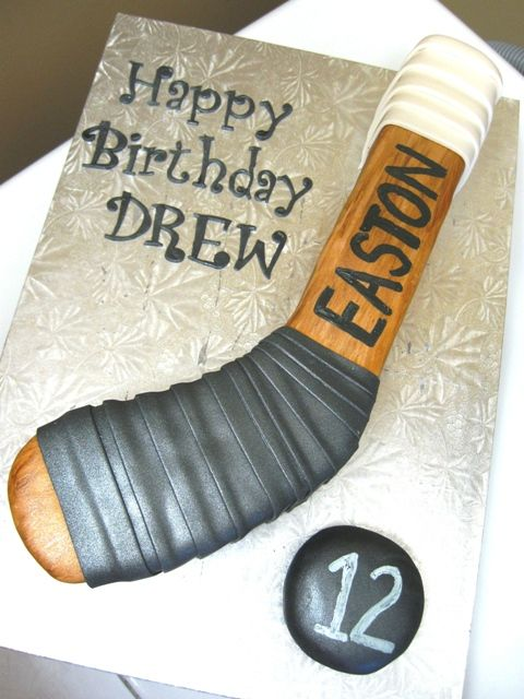 SIL...... what a cute idea for the up coming birthday!! Hockey Stick Birthday Cake.....great find Michelle!