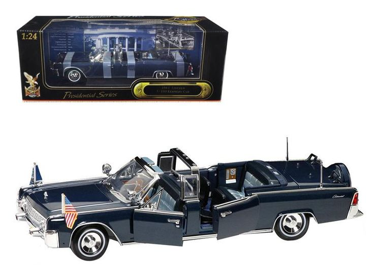 1961 Lincoln X-100 Kennedy Limousine with Flags 1:24 Diecast Model Car