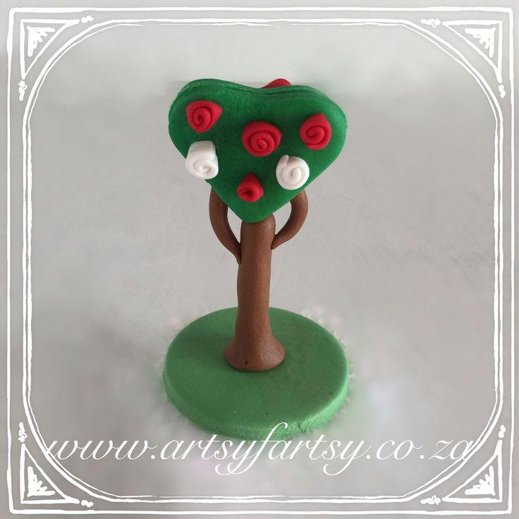 Alice in Wonderland Sugar Figurines #aliceinwonderlandsugarfigurines Rose Bush