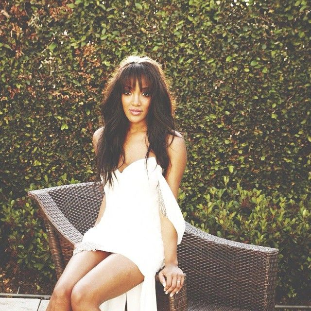 Mickey Guyton  Hot Country Women  Country artists Beauty skin Country women