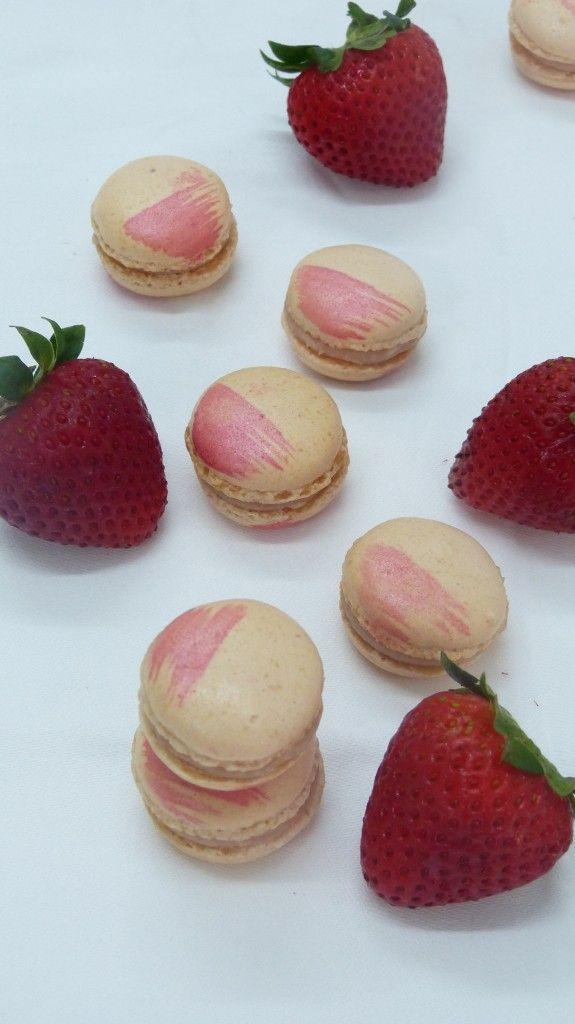 Macarons daiquiri fraise - http://latassefumante.com